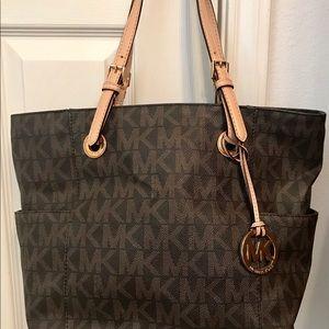 Handbags - Michael Kors tote